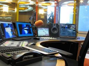 radio belülről